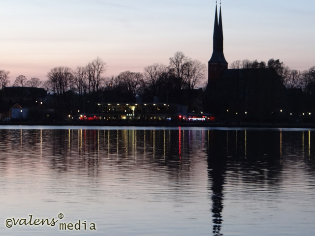 Domkyrkas skugga i Växjösjön